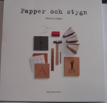 Papper och stygn, bok